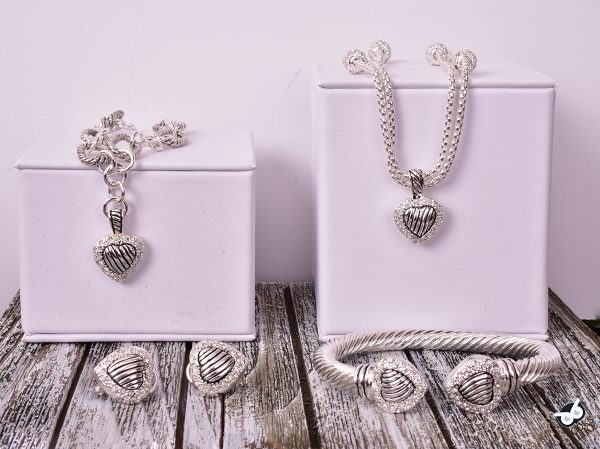 Two Tone Heart Charm Toggle Bracelet Set