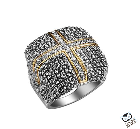 SQUARE CLUSTERED CRYSTAL CROSS RING